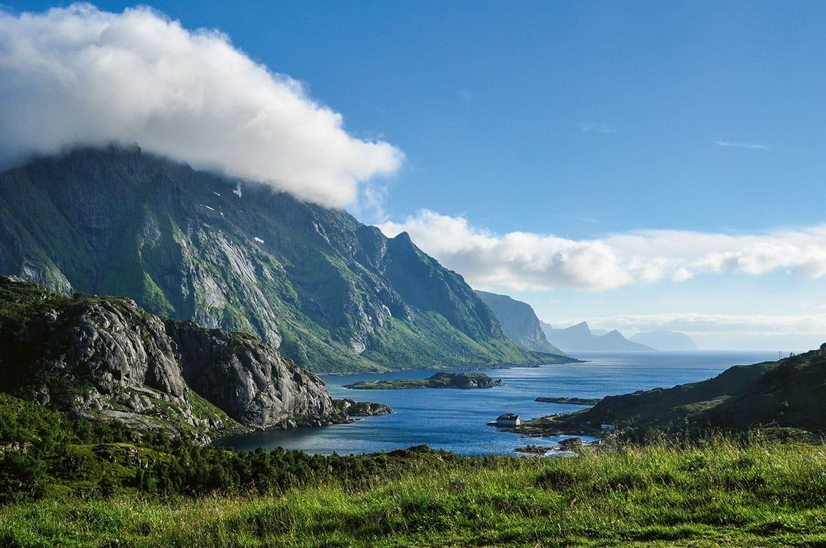 Die Inselwelt der Lofoten im Norden des Landes. Wer hier ein Taxi braucht, muss in der Regel vorbestellen.